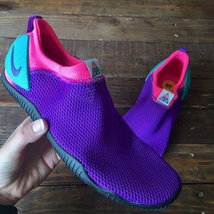 Nike aqua socks 360 now, multiple sizes